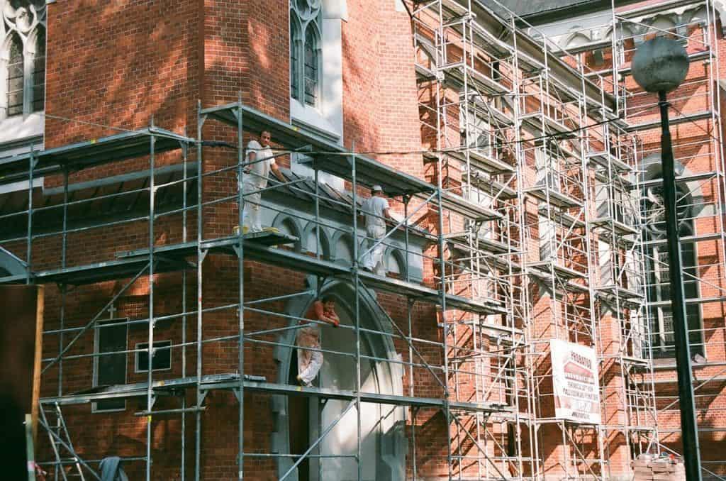 בניין לפני פירוק